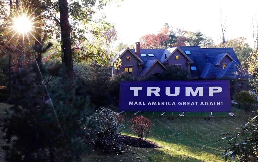 TrumpBurbs.jpg
